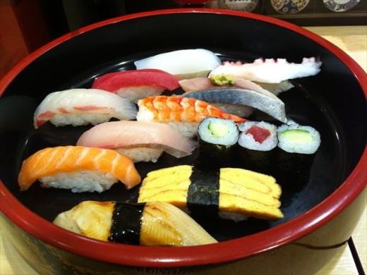 博多1番街⑬まわる寿司 博多魚がし4