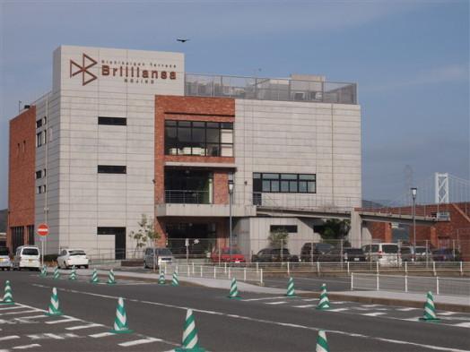 ブリリアンサ門司港1