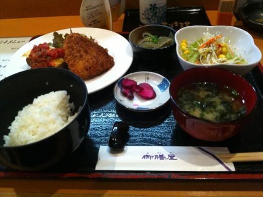 博多 御膳屋3