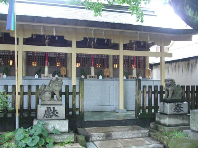 櫛田神社末社群右