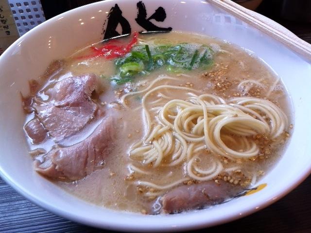 博多ラーメン 膳 大名CEPA店7