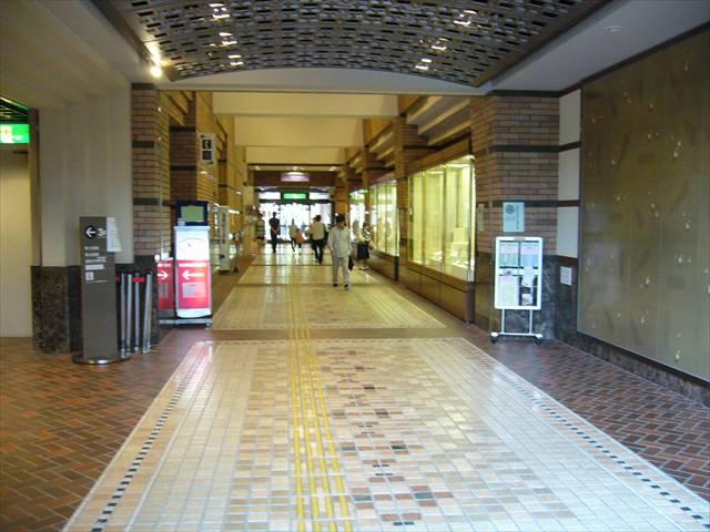 福岡市総合図書館10