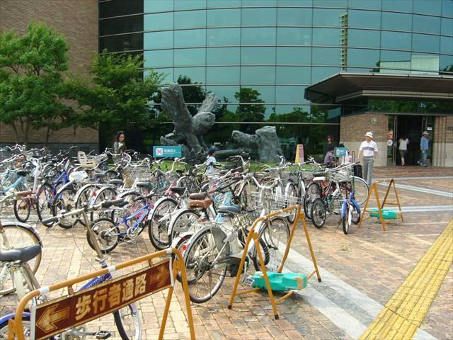 福岡市総合図書館7