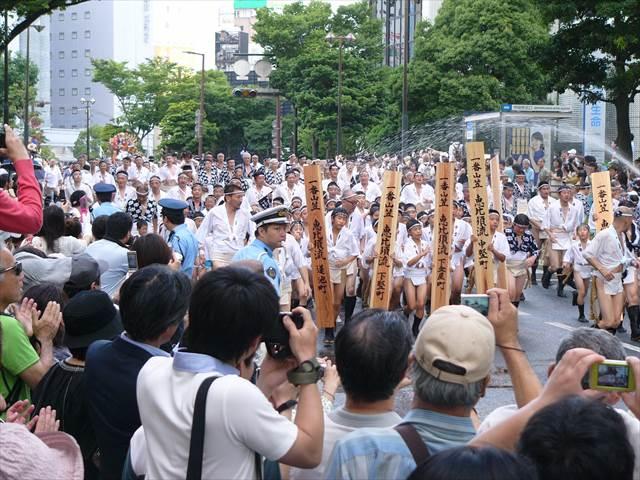 博多祇園山笠2013集団山見せ2