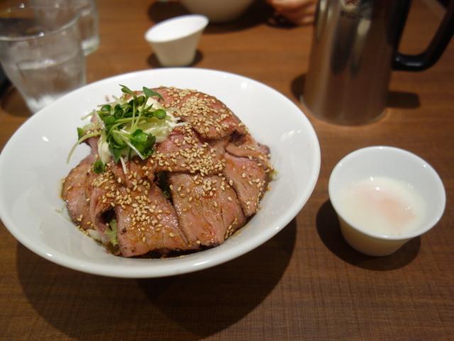 Juju 福岡パルコ店ローストビーフ丼1