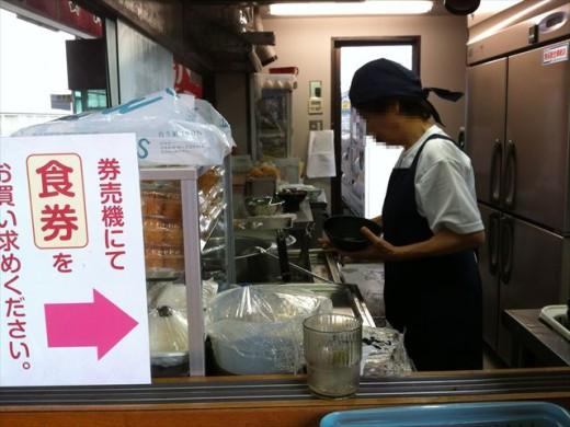 博多ホームうどん店4