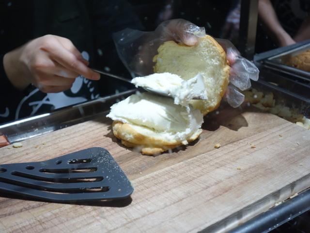世界で2番目においしい焼きたてメロンパンアイス3